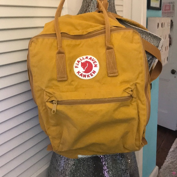 88421adbe Fjallraven Handbags - FJALLRAVEN KANKEN BIG yellow backpack